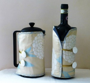 chrysanthemum bottle butler set